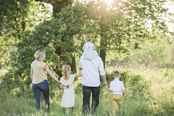 外出する家族