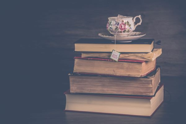 積み重なる本