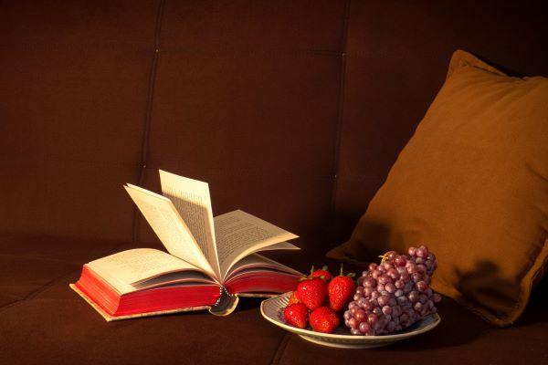 果物と絵本