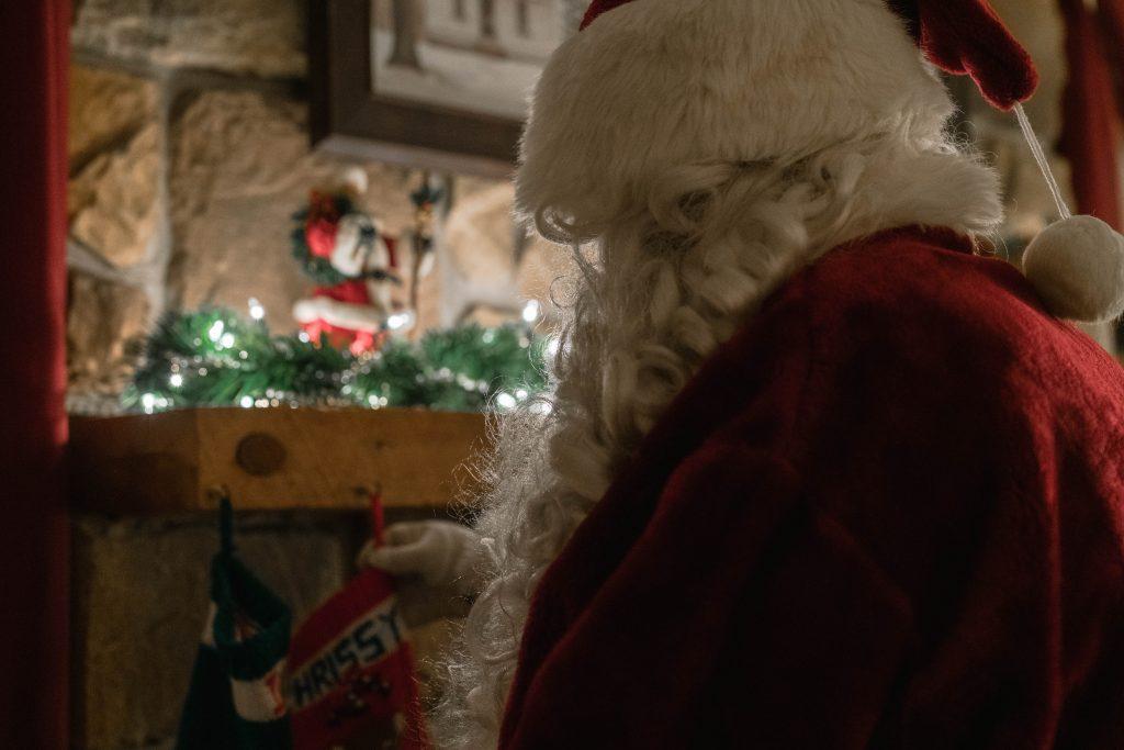 サンタの後ろ姿