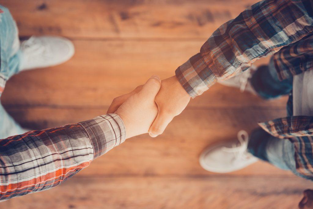 子どもの握手