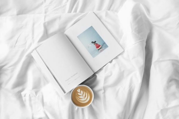 ベッドと本とコーヒー