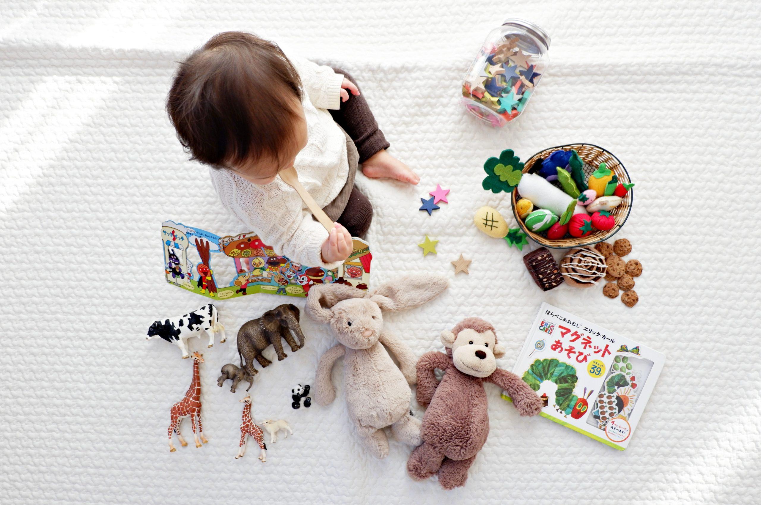 おもちゃ屋さんの絵本